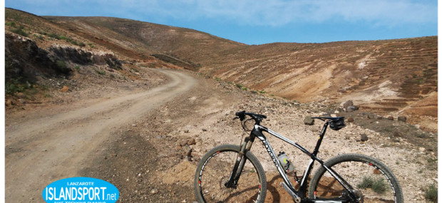 escursione mare e monte in mountain bike a Lanzarote